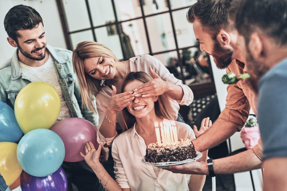 Réussir une fête surprise pour l'anniversaire de sa compagne